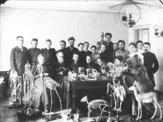 P.F.Lesgaft among the Group of Studentsin in the Biology Laboratory. Photo. Between 1907 and 1909.