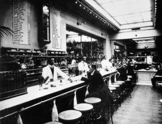 Bar of Medved Restaurant. Photo, 1906.