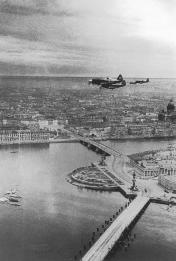 Fighter Jet Patrol over the City. Photo by M.Trakhman. June, 1942.