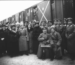Farewell to St. Petersburg: Departure of a Military Echelon to the Front. Photo, 1914.