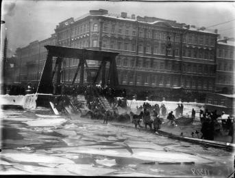 Collapse of Egipetsky Bridge. Photo, 1905.