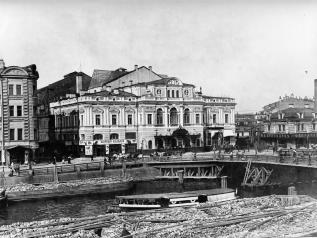 The building of the Maly Theatre (today Tovstonogov Bolshoy Drama Theatre). Photo, 1900s.