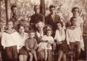 A.B. Vasenko with members of  his family.